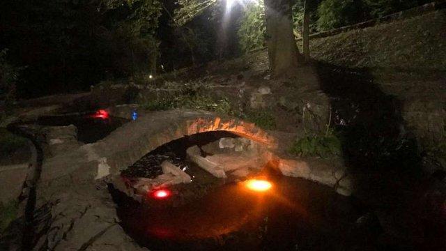 Біля озера у Стрийському парку відновили каскад струмків
