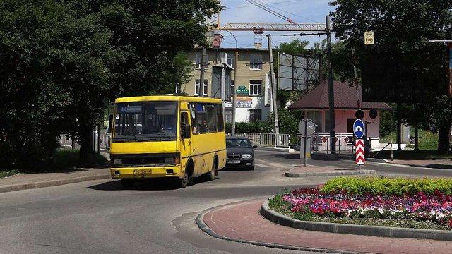 Львівські автобусні перевізники ще три місяці працюватимуть за тимчасовими договорами