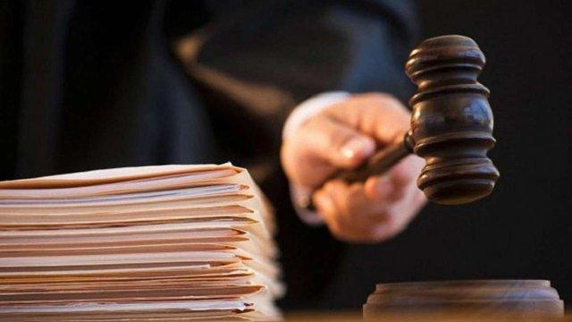 Суд оштрафував на ₴17 тис. секретаря Новокам'янської сільради за хабар та підроблення документів