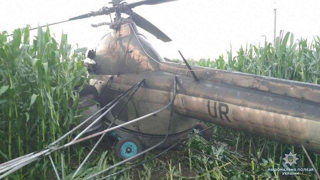 Поліція розслідує аварійну посадку вертольота з п'яним пілотом на Чернігівщині