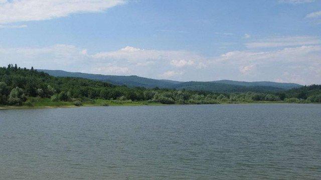 Для боротьби із купанням у водосховищі біля Трускавця встановлять камери спостереження