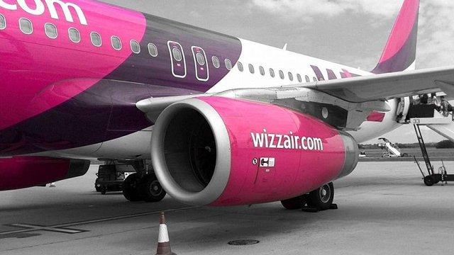 Авіаперевізник Wizz Air без попередження скасував два десятки напрямків з Польщі