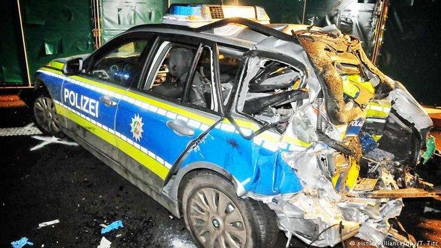 В Німеччині засудили українця, який п'яним наїхав на поліцейських
