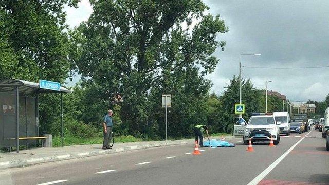 На трасі Львів-Жовква маршрутка збила чоловіка на пішохідному переході