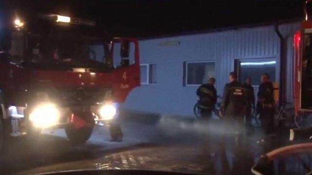У Пустомитах рятувальники загасили пожежу на складі приладів опалення