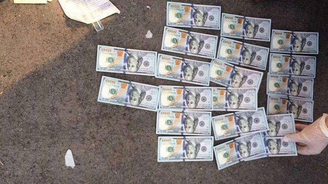 На Запоріжжі заступника міського голови затримали за хабар у $2 тис