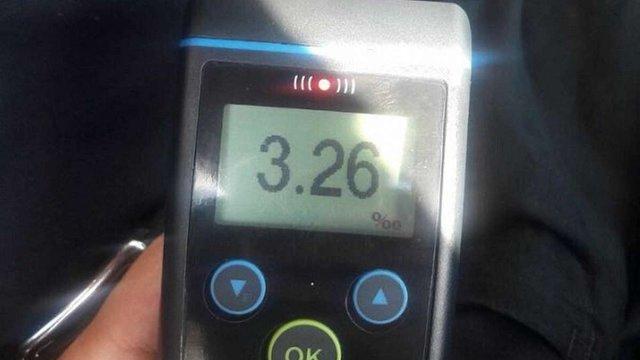 У Львові поліцейські виявили таксиста з перевищеною у 16 разів нормою алкоголю у крові