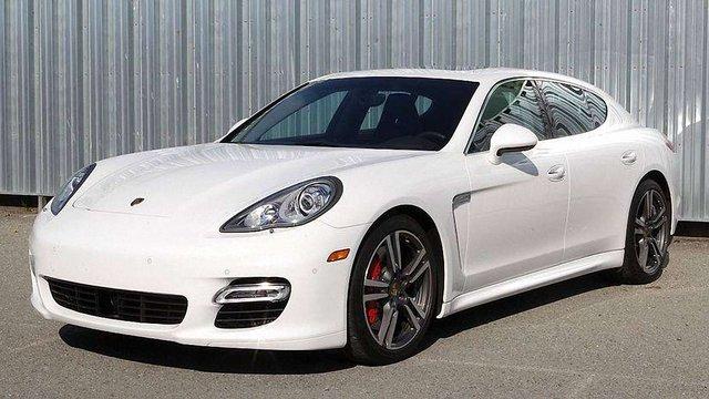 На Харківщині чиновниця місцевої сільської ради задекларувала автомобіль Porsche Panamera