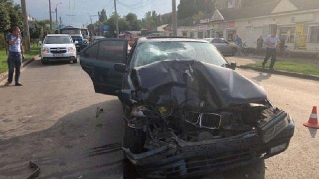 У Черкасах водій на BMW збив на смерть матір із 6-річною дитиною на пішохідному переході