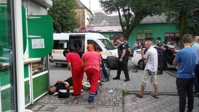 55-річний львів'янин через ревнощі поранив у груди 32-річного чоловіка
