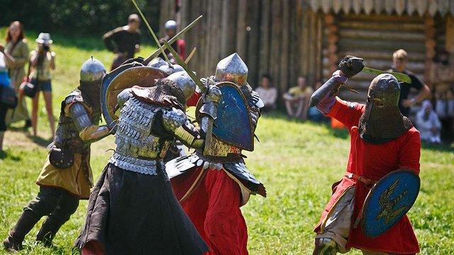 Відвідувачів фестивалю «Ту Cтань!» чекає віртуальний політ над давньою фортецею