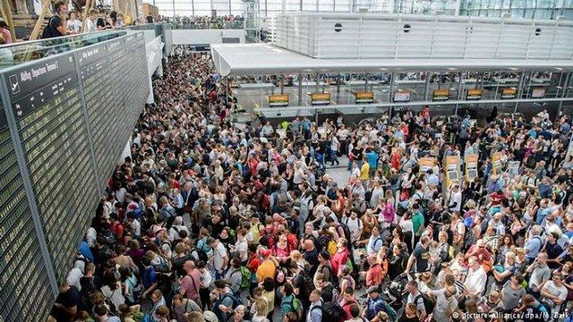В аеропорту Мюнхена пасажирка випадково скасувала 200 рейсів