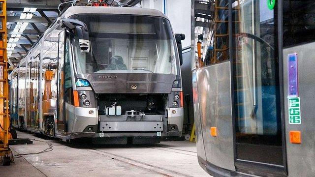 «Електронтранс» відправив зі Львова до Києва два низькопідлогові трамваї