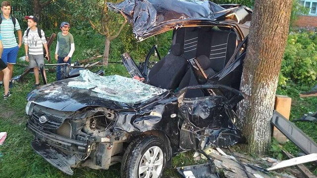 Унаслідок ДТП у Радехівському районі загинув водій та травмувалися четверо осіб
