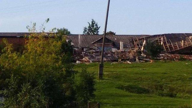 У Городоцькому районі внаслідок негоди пошкоджено будівлю коледжу