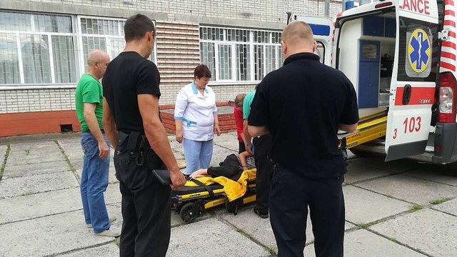 У Червонограді 13-річний юнак вискочив з вікна школи на третьому поверсі, втікаючи від охорони
