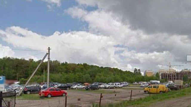 У Львові судитимуть підприємця за незаконне захоплення землі на Сихові