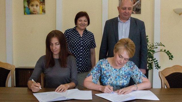 В українських школах поглиблено вивчатимуть історію Голодомору