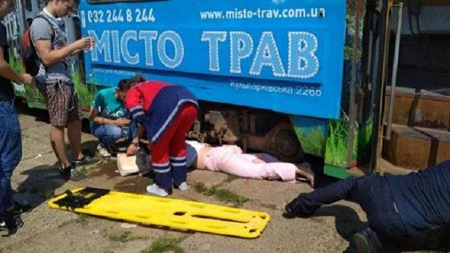 Родичі жінки, що втратила ногу у ДТП з львівським трамваєм, збирають гроші на протез