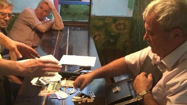 Заступника мера Переяслава-Хмельницького затримали за вимагання хабара у $30 тис