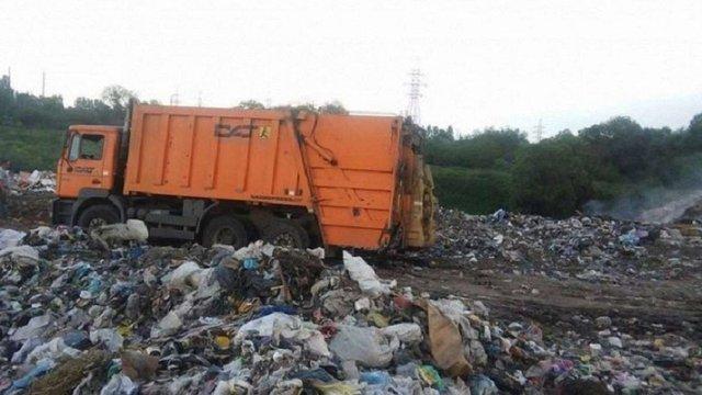 Компанія з вивозу сміття «АВЕ Львів» заявила про перешкоджання з боку поліції
