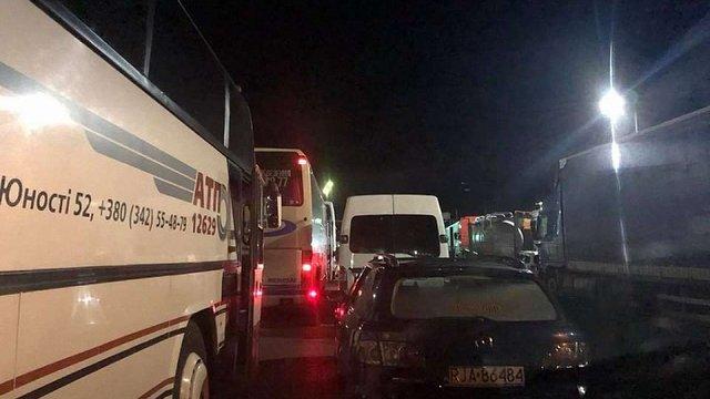 Уночі пункти пропуску на українсько-польському кордоні упродовж кількох годин були заблоковані