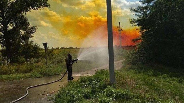 На трасі в Дніпропетровській області розлилося кілька тонн азотної кислоти