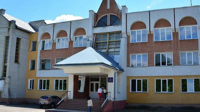 У Дрогобицькій гімназії з батьків незаконно зібрали ₴295 тис. благодійних внесків