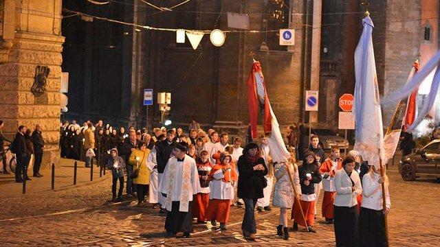 Через молитовну ходу вулицями Львова в понеділок ситуативно перекриватимуть рух