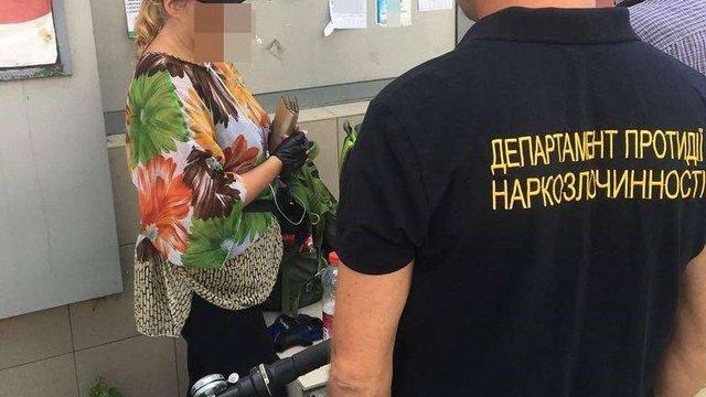 На Львівщині за торгівлю наркотиками затримали медсестру психіатричної лікарні
