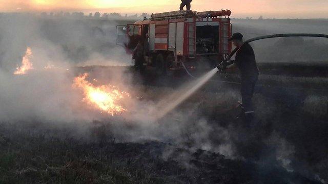 У Пустомитівському районі вигоріло 2 гектари стерні