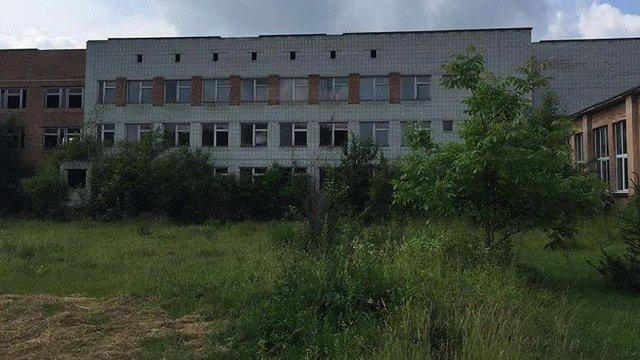 В Оброшиному завершать будівництво школи, розпочате у 1989 році