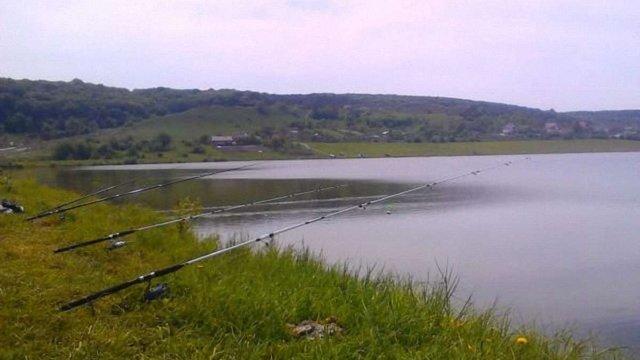 У Зашкові під час риболовлі від удару електричним струмом загинув львів'янин