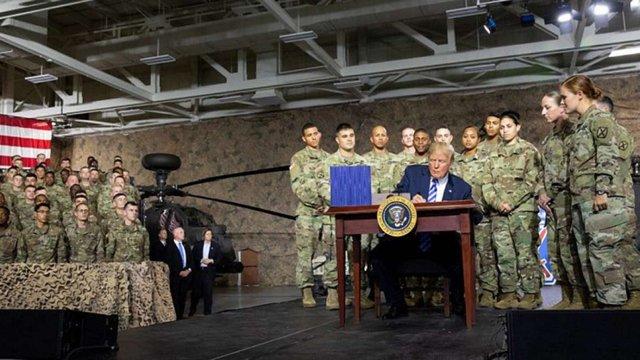 Трамп підписав бюджет, вякому $250 млн піде на війському допомогу Україні