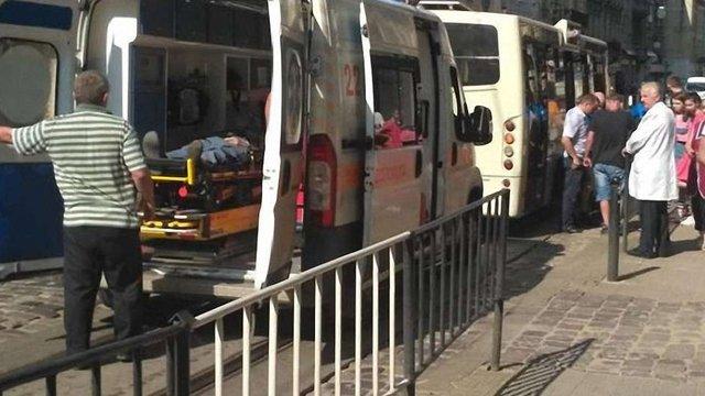 Збитий маршруткою у центрі міста 89-річний львів'янин помер у лікарні