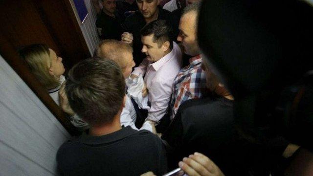 Адвокати Януковича спробували зірвати дебати у суді щодо держзради