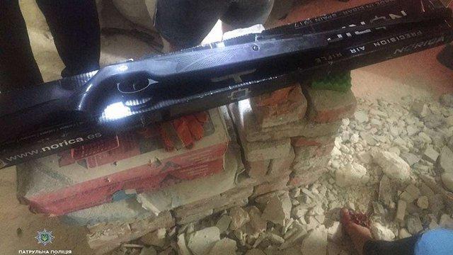 Тернополянин підстрелив поліцейську з вікна своєї квартири