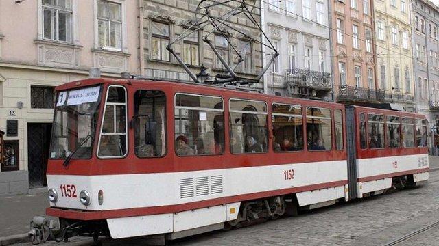 У суботу через урочисту ходу в центрі Львова змінять маршрути громадського транспорту