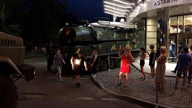 Під час репетиції святкового параду в Києві ЗРК «Бук» в'їхала у бізнес-центр