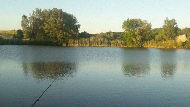 На Львівщині шукають чоловіка, який міг втопитися у водоймі в Кам'янка-Бузькому районі