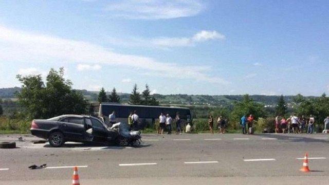 У лікарні Золочева помер пасажир легковика, який зіштовхнувся із рейсовим автобусом