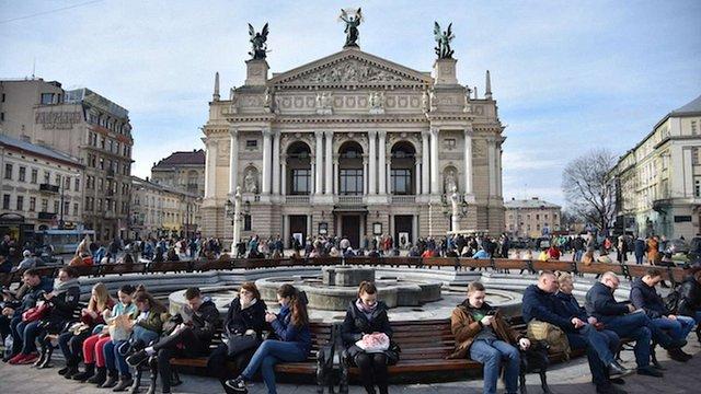 Львівська опера вперше відкриє сезон червоною доріжкою та трансляцією вистави