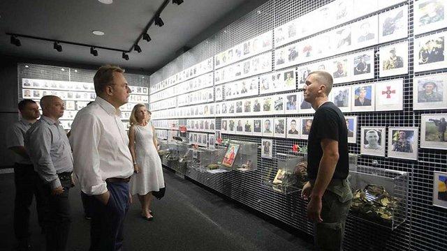 Андрій Садовий відвідав музей АТО в Дніпрі