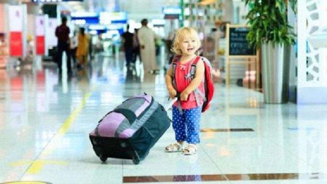 Уряд дозволив одному з батьків вивозити дитину закордон без дозволу іншого