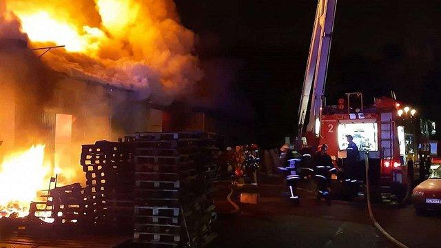 У Львові ліквідували масштабну пожежу у складі на Цитаделі