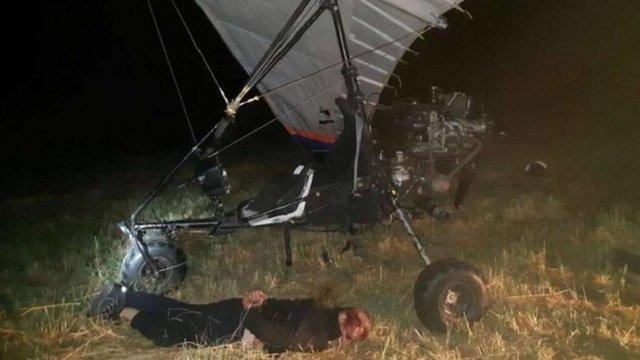 Двох українців силою затримали у Словаччині за перевезення нелегалів на дельтаплані