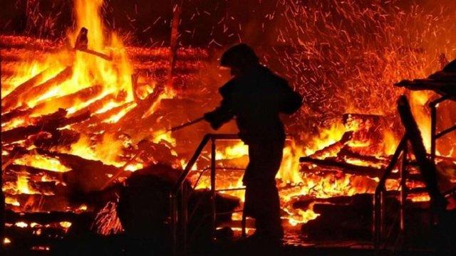 Під час пожежі на території дачного кооперативу в Солонці згорів будинок