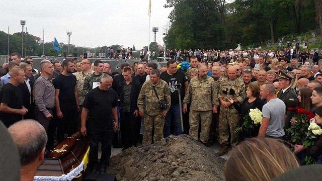 Через обряд поховання  загиблого військового у Львові виник скандал