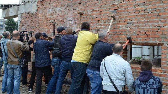 Поліція почала розслідування акції протесту проти самобуду у центрі Золочева