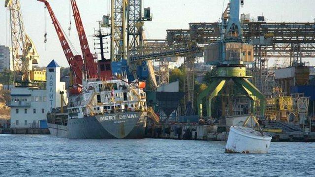 Портові активи Ріната Ахметова в окупованому Криму працюватимуть на Росію